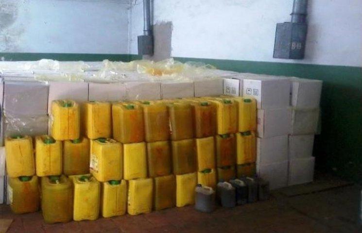 На Хмельниччині зберігається чверть мільйона тон протермінованих хімікатів