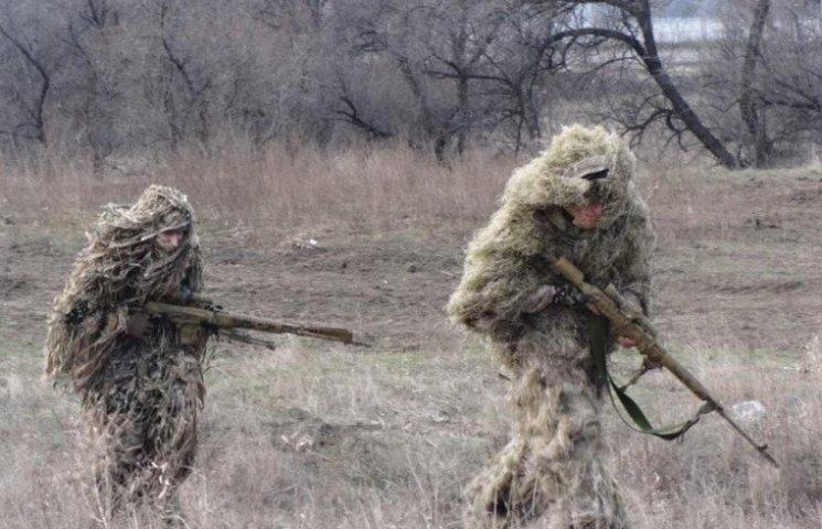 """Дніпропетровських десантників на навчаннях """"лякають"""" звуками вибухів"""