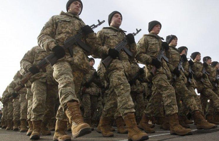 Як Полторак хоче укомплектувати армію: Строковики, мобілізовані, контрактники (ІНФОГРАФІКА)
