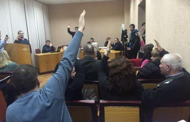 """Провілкулівського голову виборчкому змусили заявити на """"шефа"""" у поліцію"""