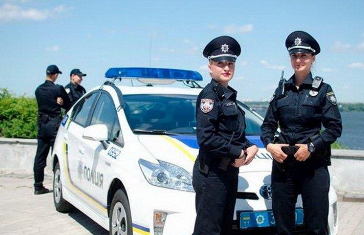 """Патрульним поліцейським заборонили мати акаунти у """"російських"""" соцмережах"""