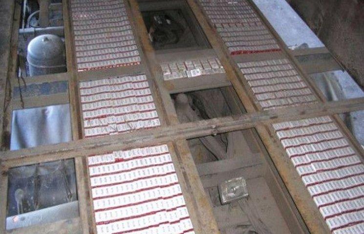На Тернопільщині вилучили партію пакистанського тютюну на майже 6 мільйонів