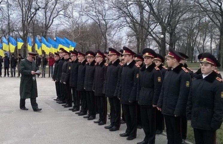 У Запоріжжі згадують початок війни з Росією та загиблих земляків (ФОТОРЕПОРТАЖ)
