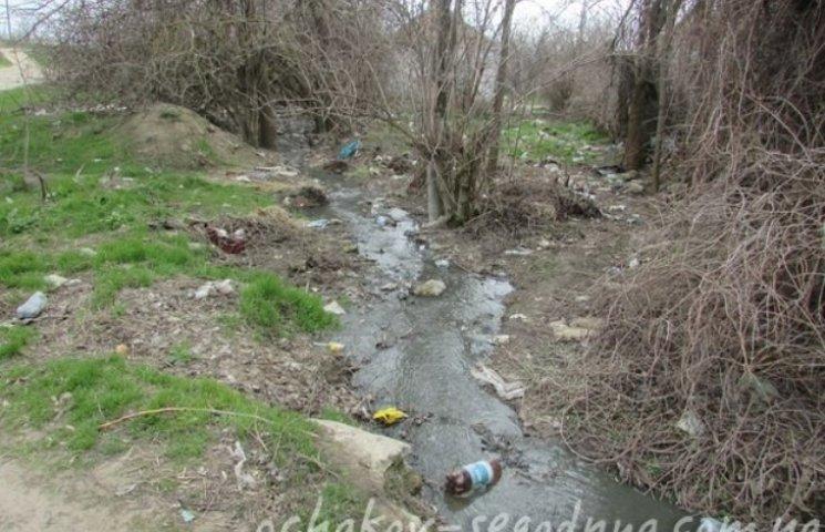 В Очакові невідомі зливають нечистоти в Дніпро-Бузький лиман