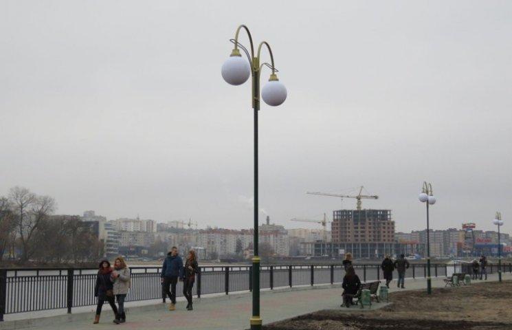 Майже 14 тисяч вартує хмельничаннам кожен метр реконструйованої набережної