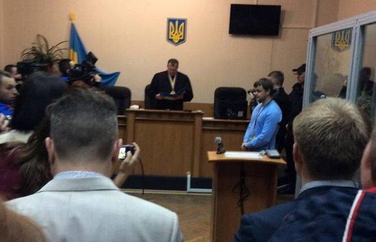 Вінницький суд не відпустив скандального копа Шевцова з-під варти
