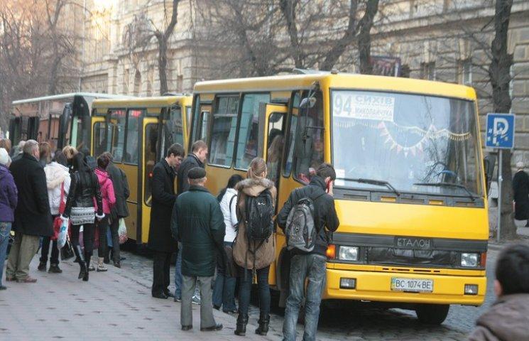 Тернопільські перевізники вимагають підняти вартість проїзду в маршрутках