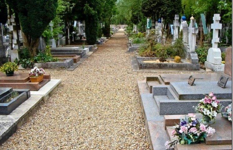 У Городку на кладовищі немає місць для поховань