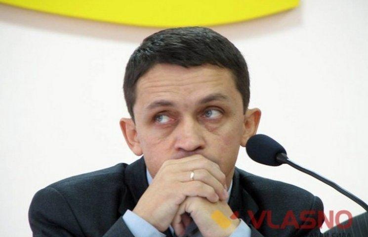 Голова Вінницької райради сам собі пише петиції