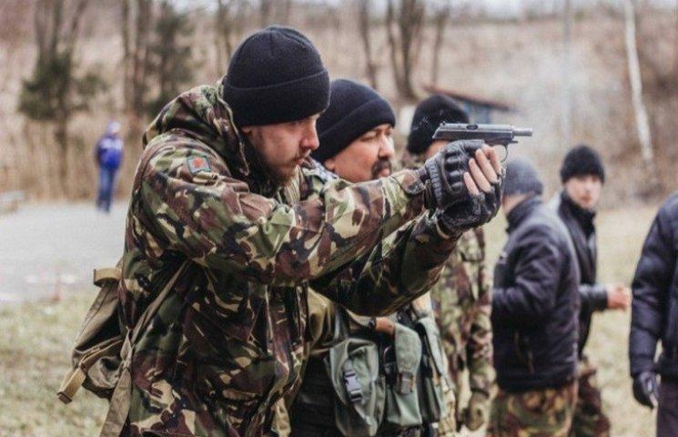 Тернополяни масово взялися за зброю