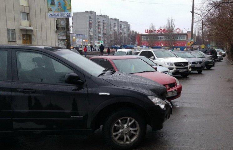 Дніпропетровські патрульні не реагували на водіїв-порушників форуму Саакашвілі