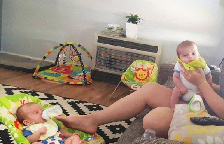 Як багатозадачні мами годують близнюків