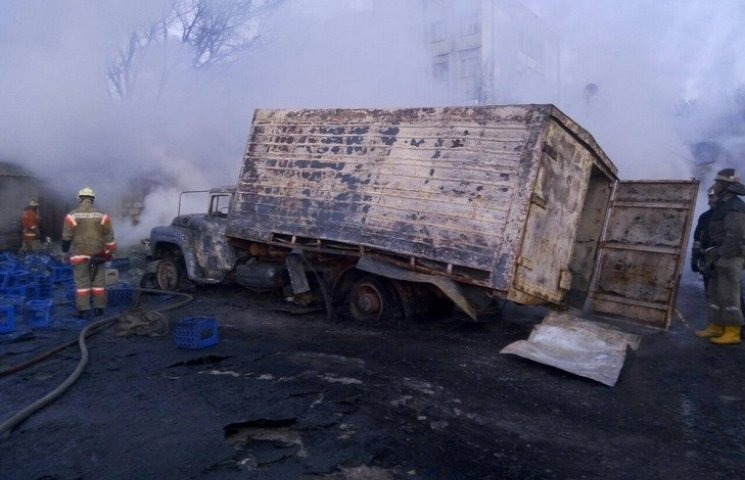 У Дніпропетровську підпалювачі в балаклавах знищили ще один склад