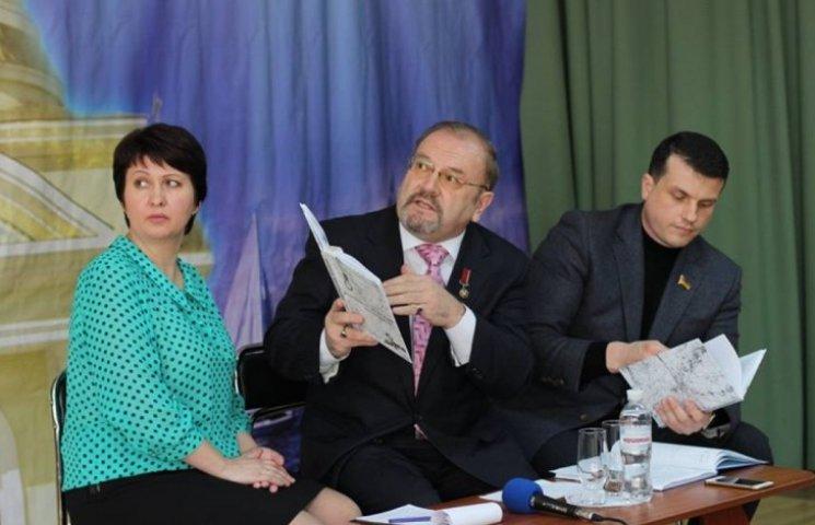 Миколаївські письменники презентували книгу про визволення міста
