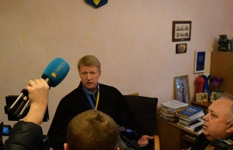 У Дніпропетровську аншлаг на суді з відчуження військового госпіталю