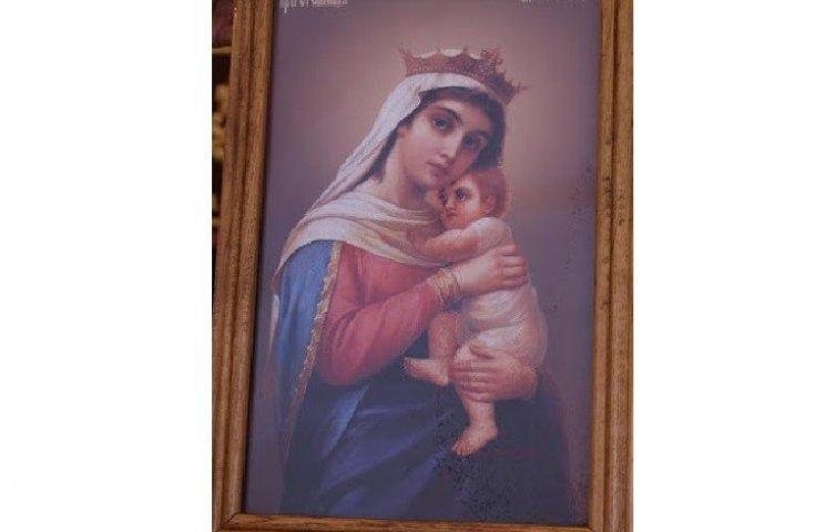 На Хмельниччині в колонії довічників замироточила ікона Божої Матері