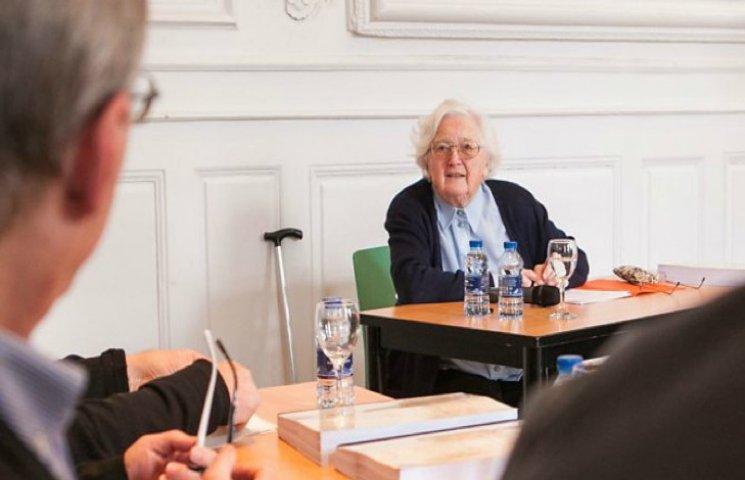 Француженка в 91 рік стала доктором наук