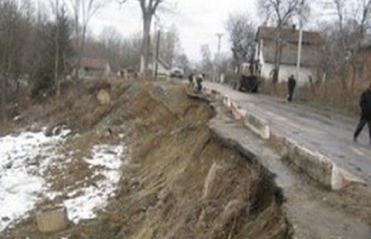 Через зсув грунту у Хмельницькому травмувався чоловік