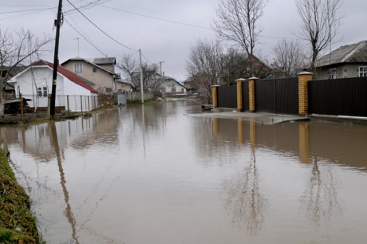 Закарпатські рятувальники нагадали, що робити під час паводку