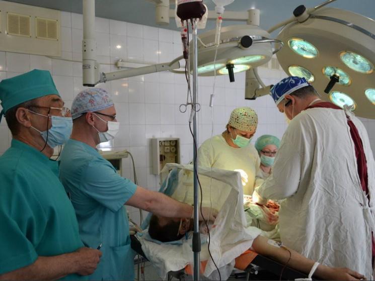 В клинику Днепра занеделю доставили семь бойцов иззоны АТО
