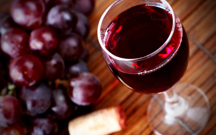 Старение мозга сдерживает красное вино— ученые