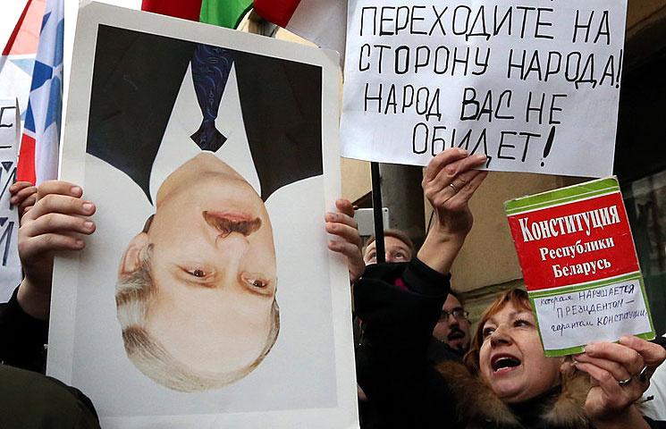 Лукашенко: В Беларуссии неповторится украинский вариант