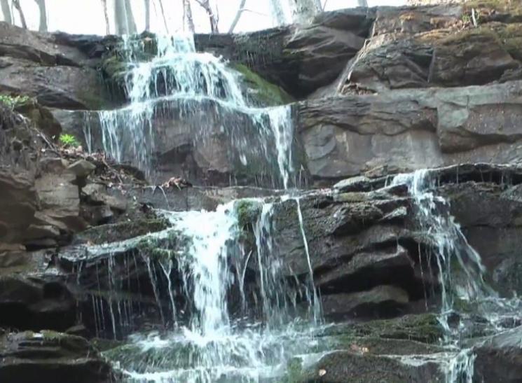 Туристу на замітку: 10 маловідомих водоспадів Карпат фото 2