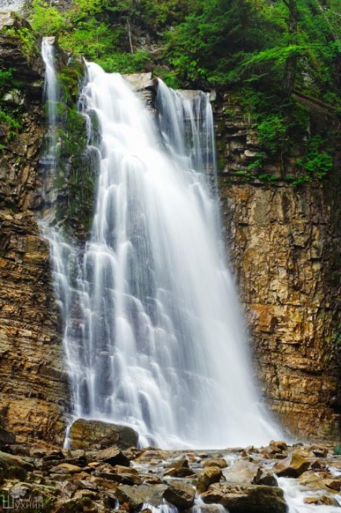 Туристу на замітку: 10 маловідомих водоспадів Карпат фото 3