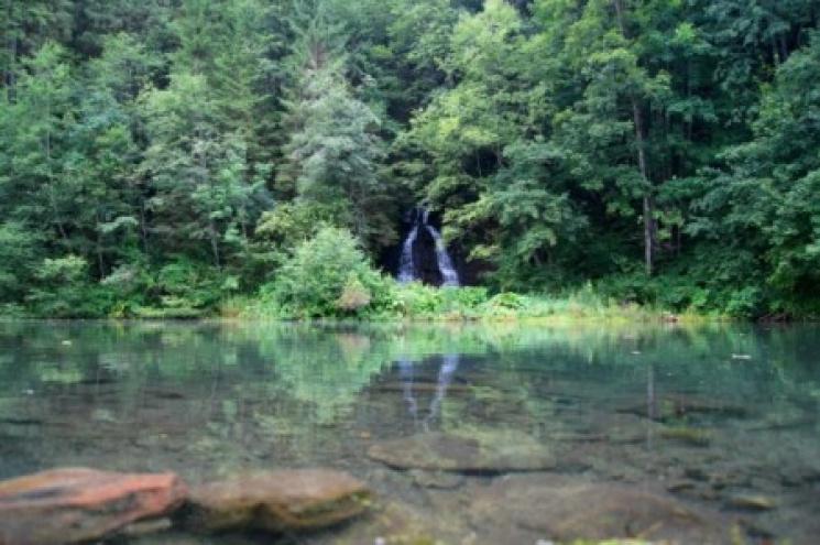Туристу на замітку: 10 маловідомих водоспадів Карпат фото 8
