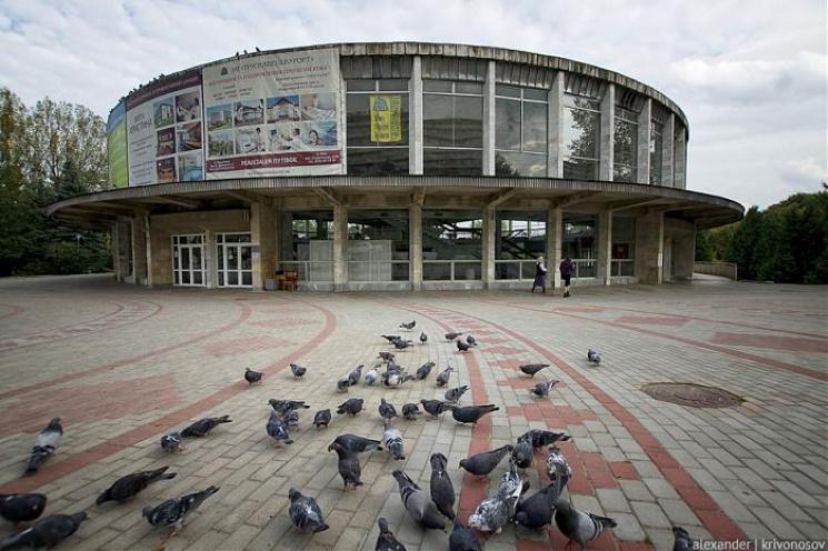 Як туристи матюкаються через закриття бювету у Трускавці (18+)