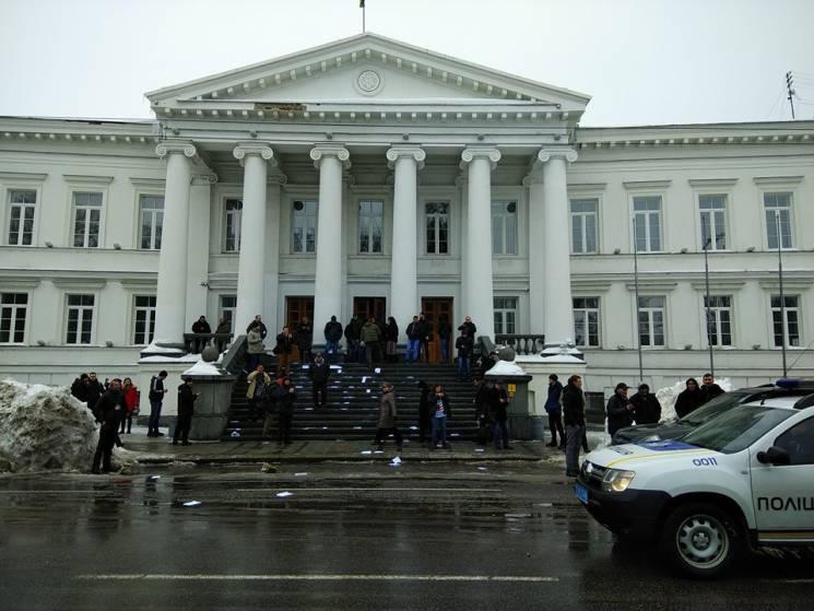 Полтавці вийшли на протест через бездію…