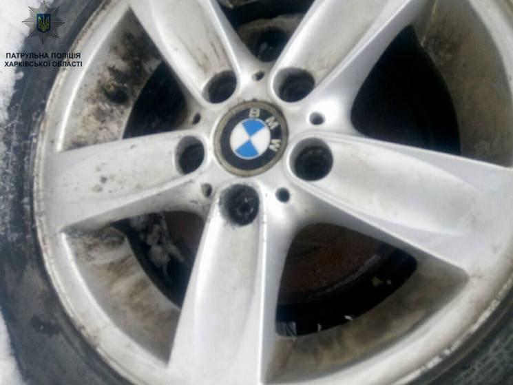 У Харкові схопили злочинця, який знімав колеса з ВМW (ФОТО)