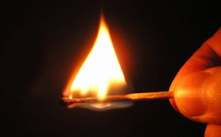 У Сумах безхатьки ледь не спалили будинок на вулиці Металургів