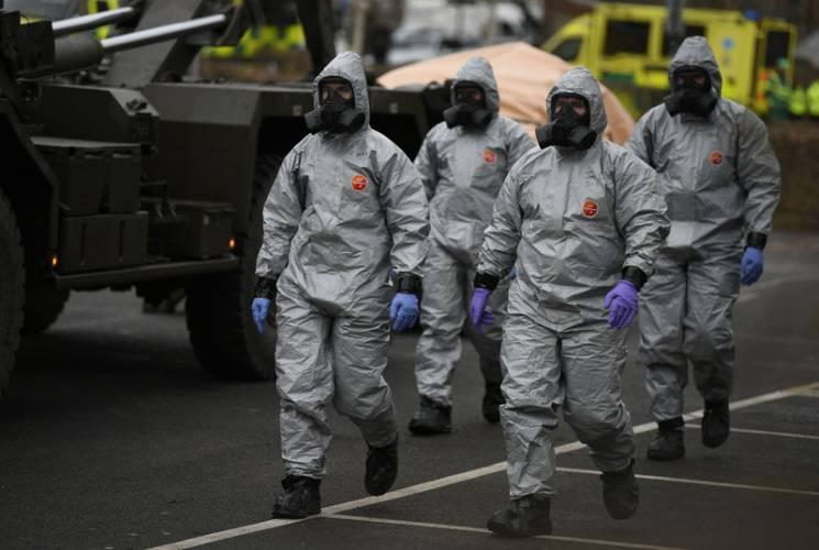 Мей проти Путіна: Що планують Британія та НАТО