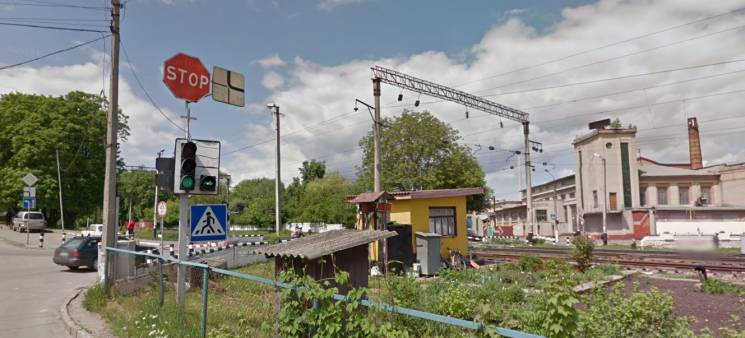 У Хмельницькому закривають залізничний переїзд