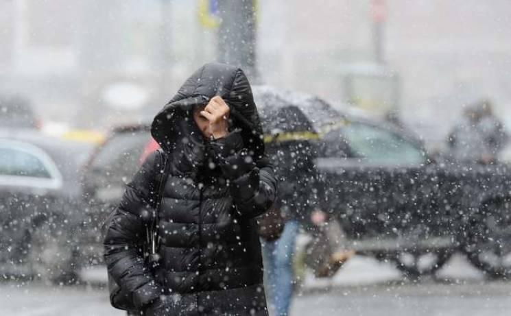 Знову весняний циклон: У Києві штормовий вітер і навіть мокрий сніг