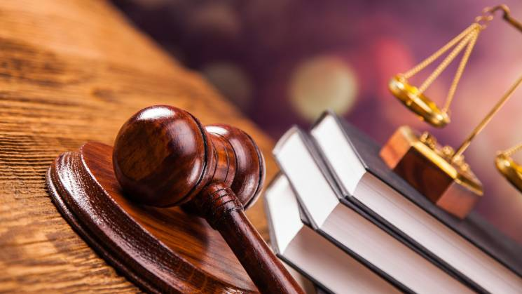 """Справу про """"кооперативну схему Кернеса"""" довірили одіозному судді Лазюку"""