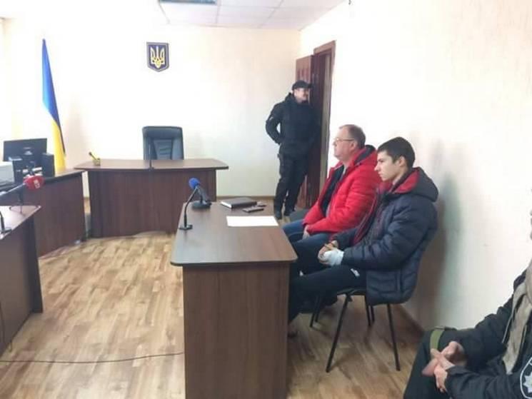 У Павлограді обрали запобіжний захід школяру, який зарізав чоловіка з дитиною
