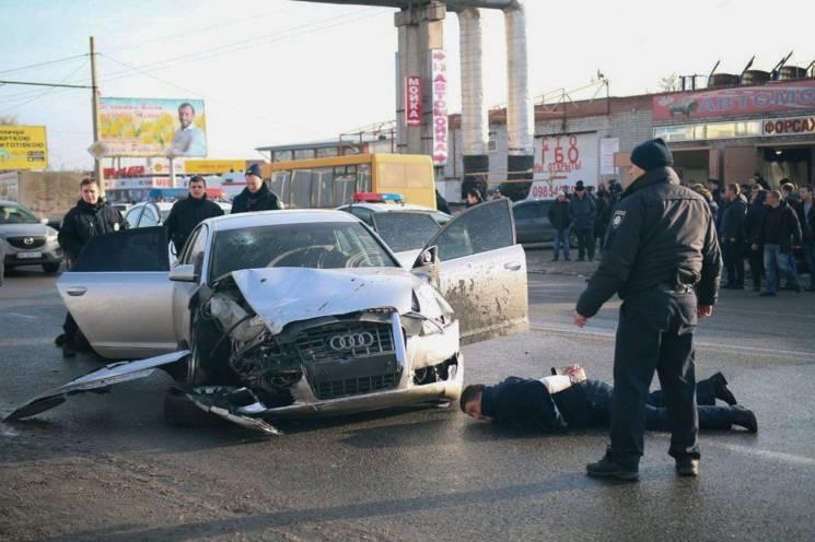 Стрілянина, загиблий та розтрощені автівки: У Дніпрі поліція ловила грабіжників