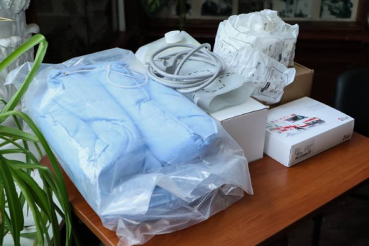 Одеська лікарня ім. Резніка отримала обладнання для допомоги недоношеним малюкам