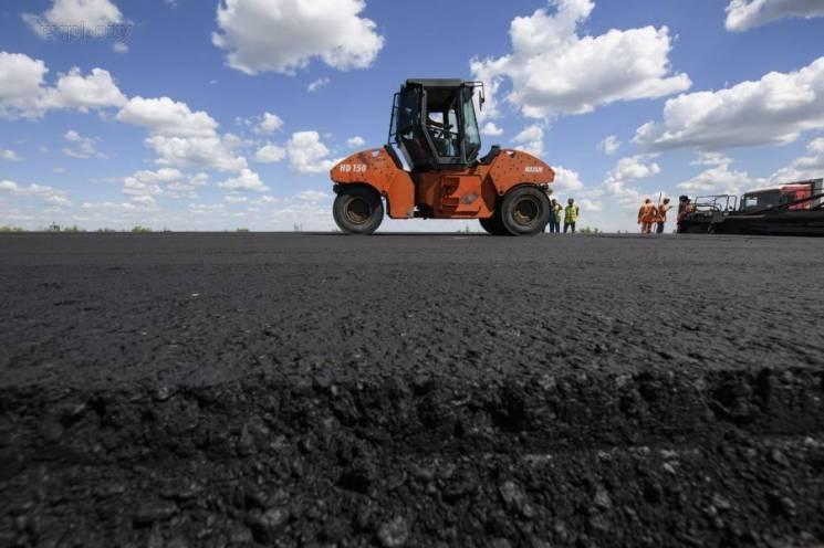 Чверть мільярда отримав нардеп Лабазюк на ремонт 12 км дороги