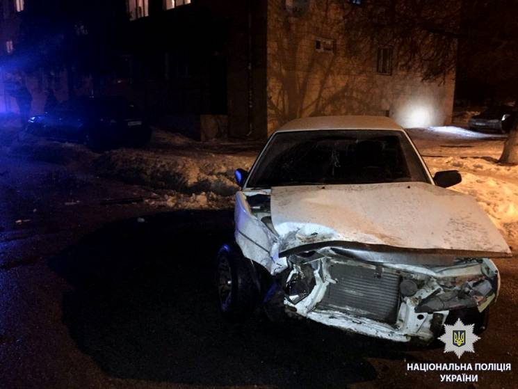 У Харкові автохам влаштував ДТП: Травмовані чотири людини (ФОТО)