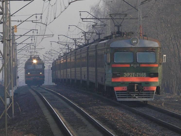 Придніпровська залізниця вдягне працівників у футболки майже за півтора мільйони гривень