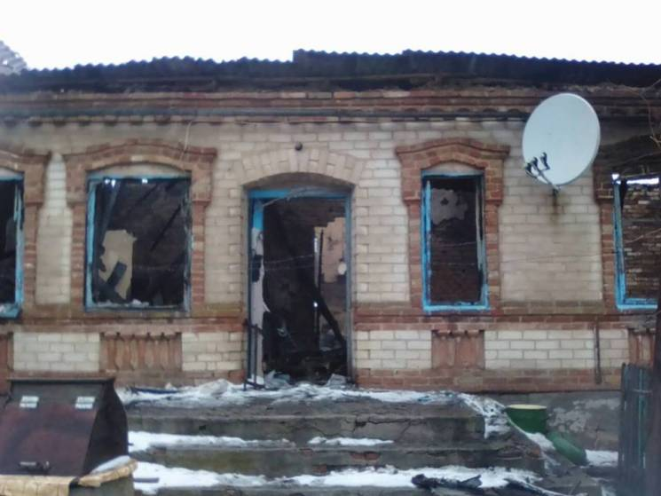 На Запоріжжі у військового згоріла хата з усім майном. Волонтери збирають допомогу