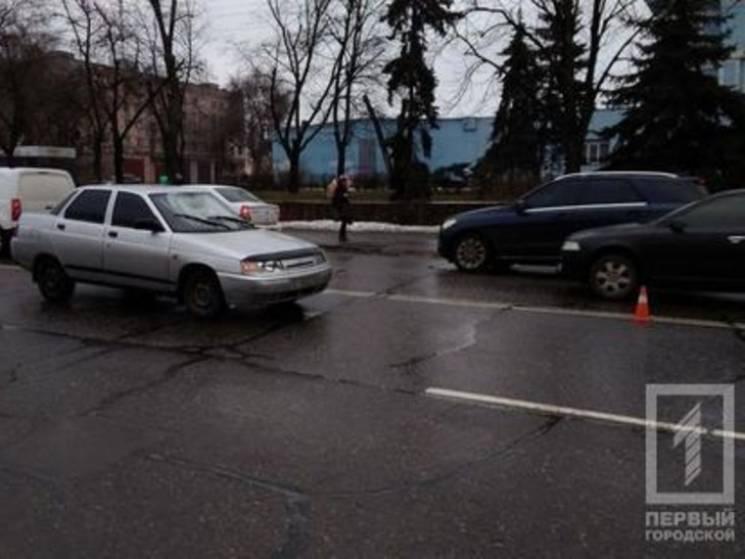 У Кривому Розі автівка збила школярку