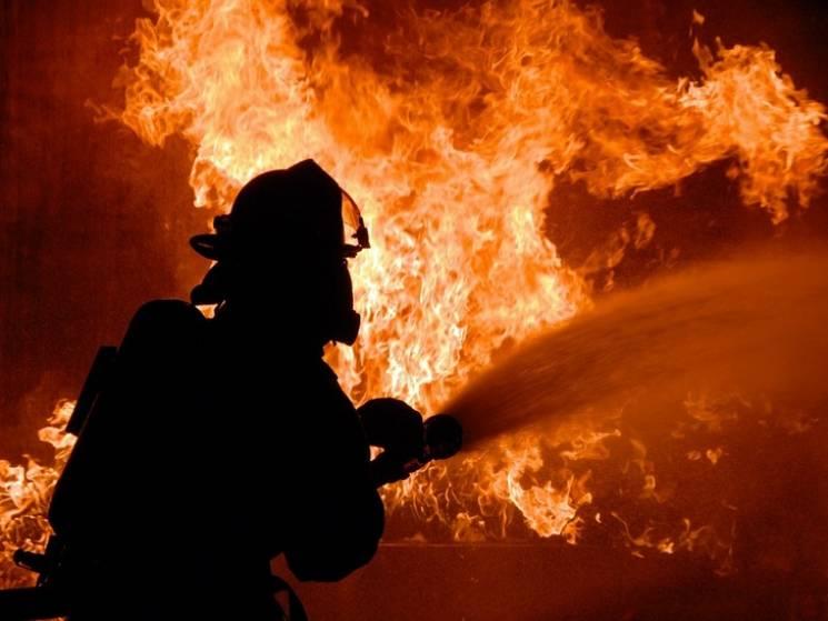 """У сумській """"занедбанці"""" через необережне поводження з вогнем згорів безхатченко"""