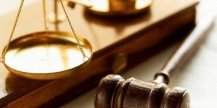 Дорослий чоловік та школяр отримали вироки за побиття односельця на Хмельниччині
