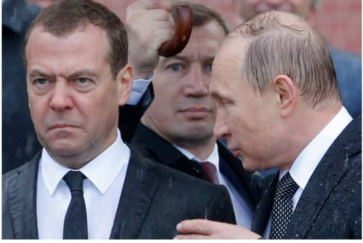 """Стихи и месть диабетом: Как россияне """"потекли"""" после санкций Великобритании"""