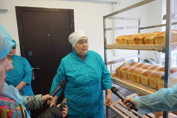 Народні дружини та хліб з покинутої школ…