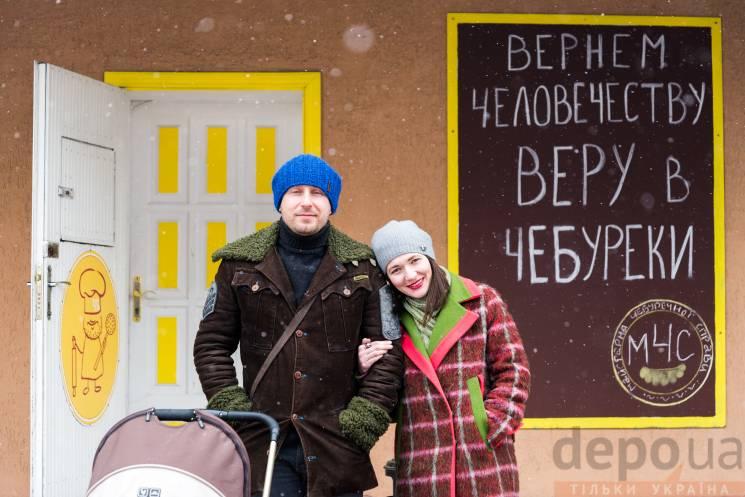 """Як переселенці з Донбасу повертають людству віру в чебуреки і """"донецьких"""""""